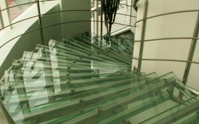 Каленное стекло и изделия из него
